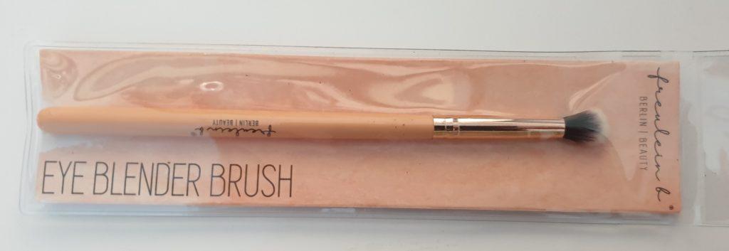 freulein b Eye Blender Brush